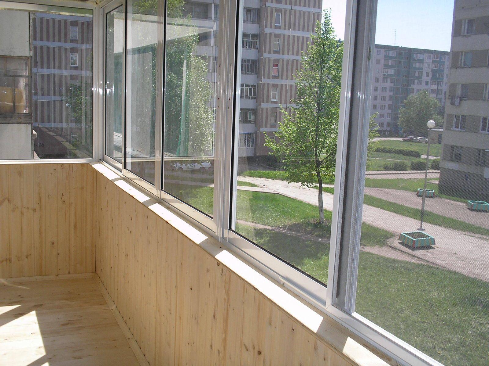 Выход на балкон стеклопакет цена от 19788руб. балкон со стек.